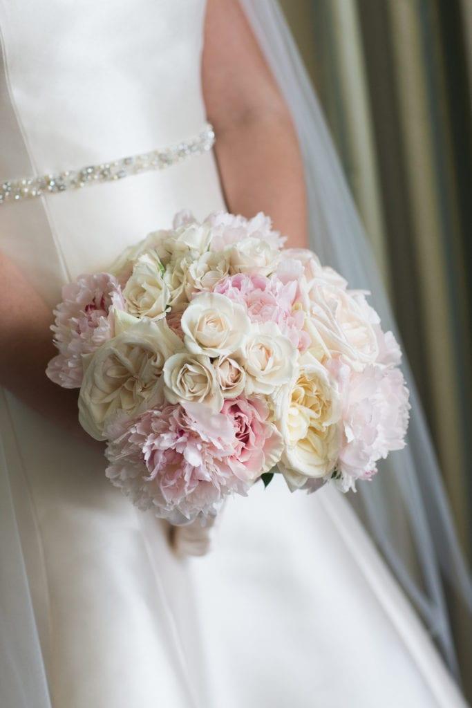 View More: http://laurastonephoto.pass.us/white-shellhase-wedding